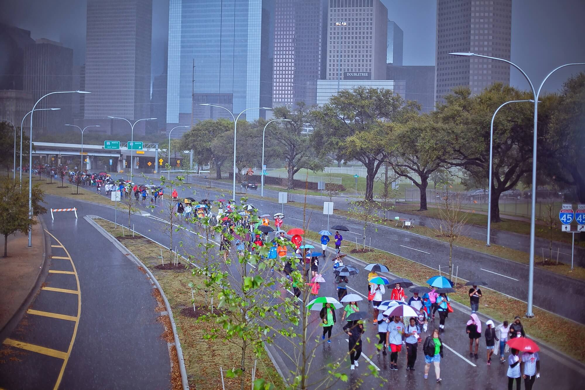 Nearly 3,000 walkers braved the rain to participate in the 28th annual walk. (Photo credit: Morris Malakoff)