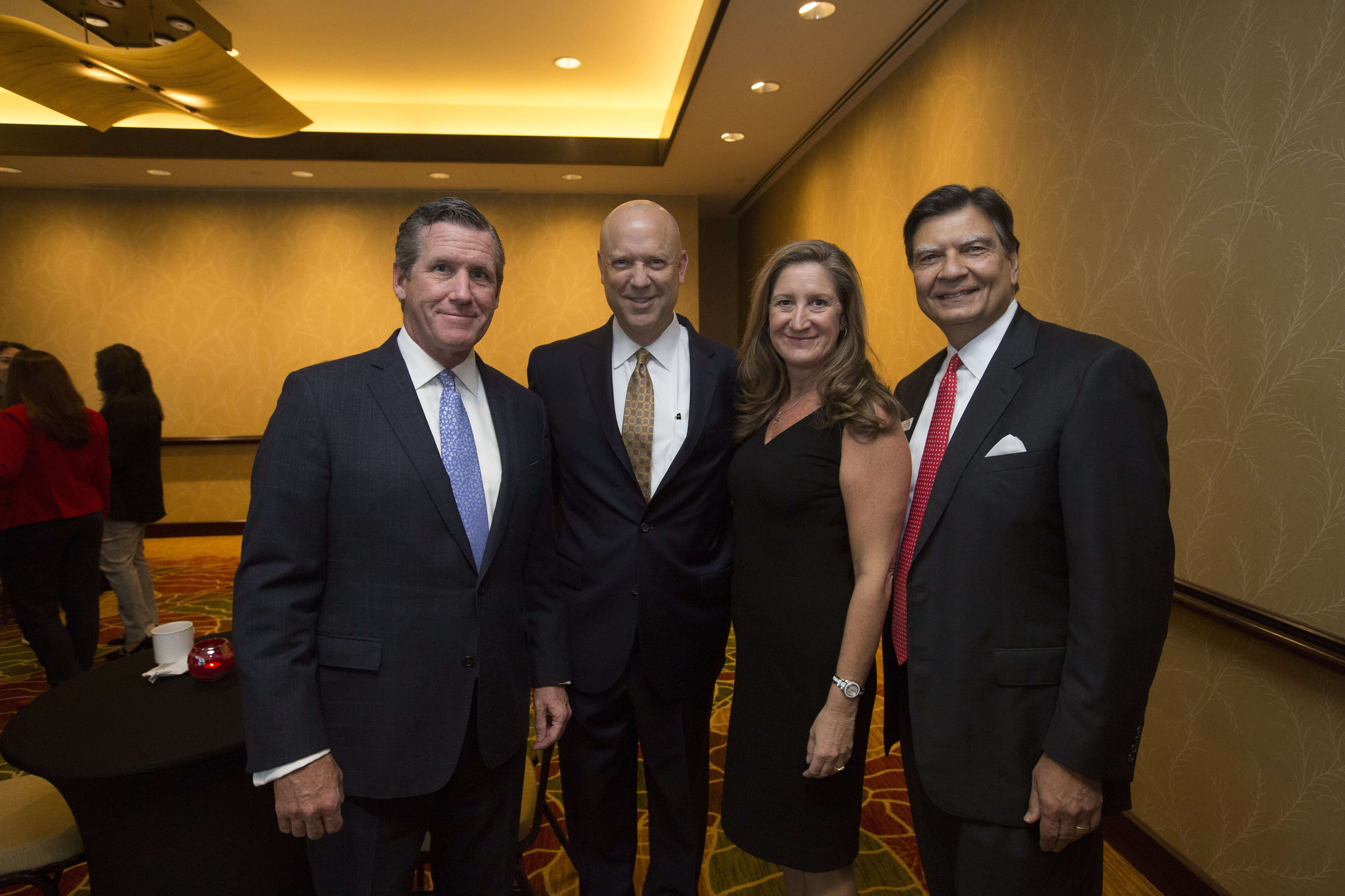 Texas Medical Center President and CEO, William F. McKeon, Houston Business Journal President and Publisher, Bob Charlet, San José Clinic President and CEO, Paule Anne Lewis and San José Clinic Advisory Board Chair, Phil Morabito.