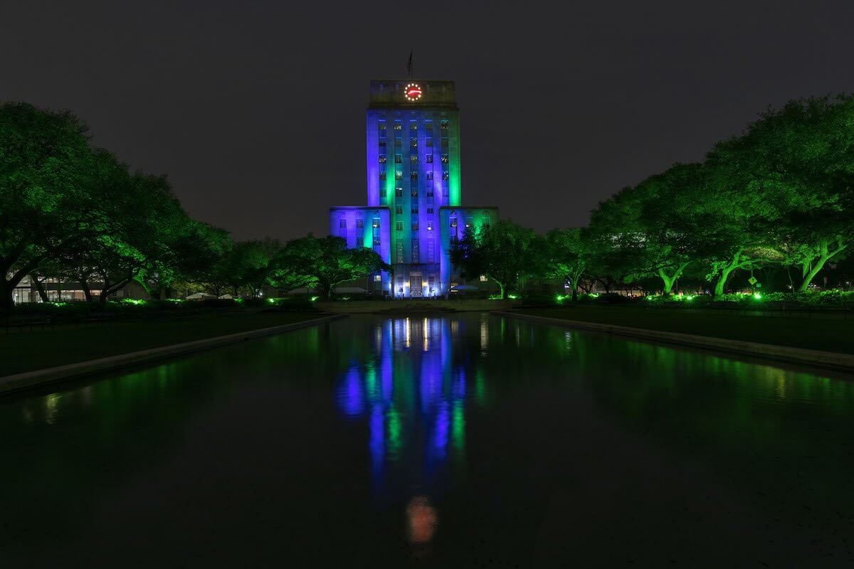 Houston City Hall was lit in green and blue lights April 8 – 10 to support organ, eye and tissue donation and honor Donate Life Month and LifeGift, a local nonprofit that helps individuals needing transplants in Southeast, North and West Texas (Credit: Troy Fields).