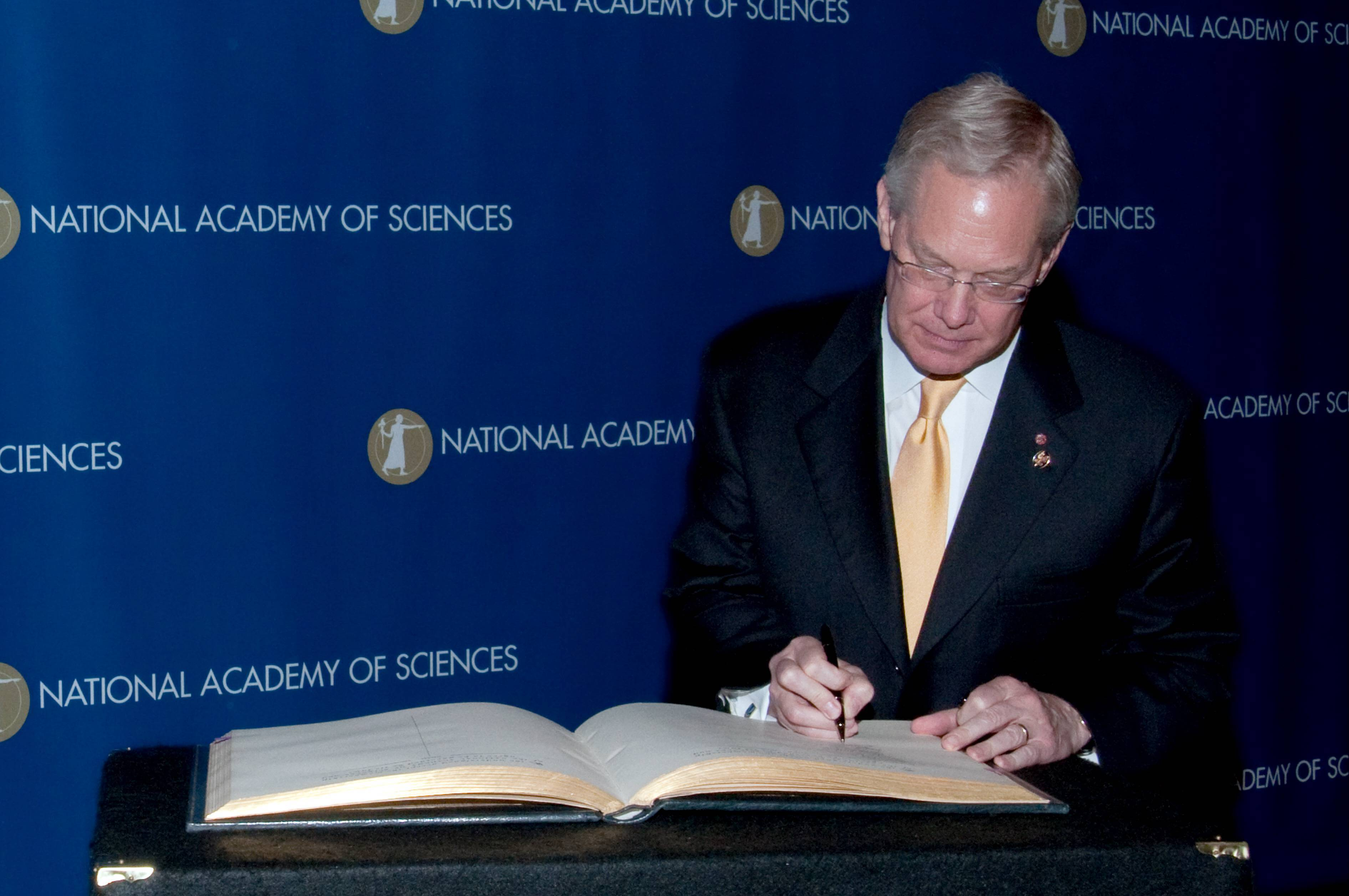 V. Craig Jordan, Ph.D., is inducted into the National Academy of Sciences