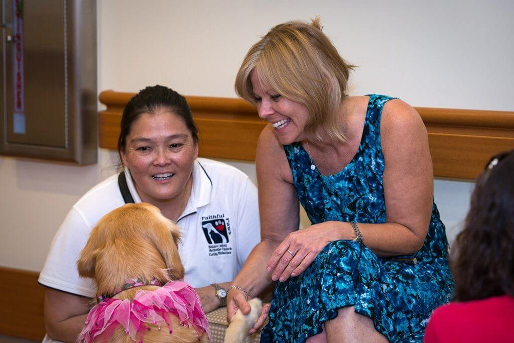 Houston_Hospice_Pet_Therapy_Photo_Credit_Lehane_Richards
