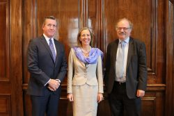From left: Texas Medical Center President and CEO William McKeon; Baroness Rona Fairhead, UK Minister of State for the Department for International Trade; and Sir Mark Walport, Chief Executive of UK Research and Innovation. (Photo by Sarah Kerr)