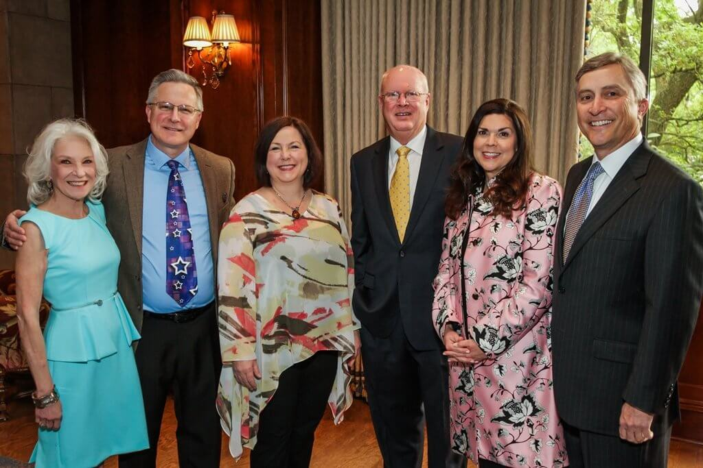 Left to Right: Houston Hospice Vice President Cynthia Nordt, speakers Wayne Earl, Lori Earl, Houston Hospice CEO Jim Faucett, chairs Lesha Elsenbrook, TomElsenbrook