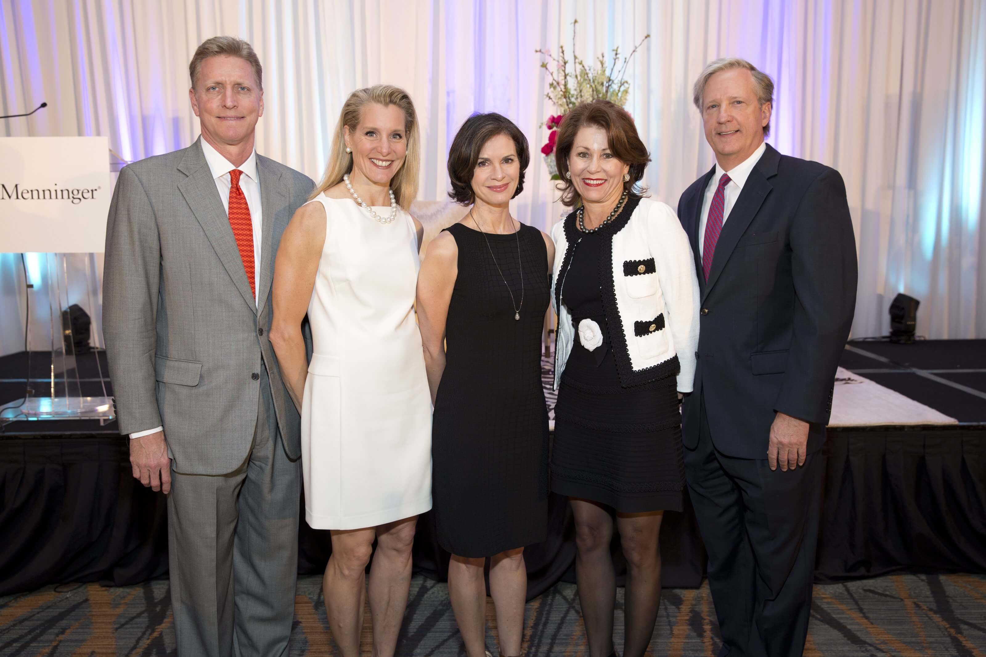 Luncheon co-chairs Jeff and Paula Paine, Elizabeth Vargas, and co-chairs Dorothy and Ronny Cuenod. (Photo Credit: Jenny Antill)