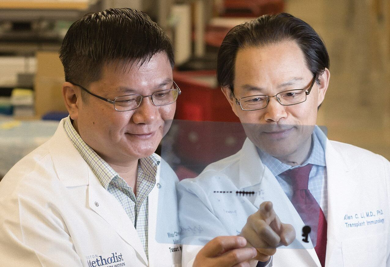 Wenhao Chen, M.D., Ph.D., a scientist in the Immunobiology and Transplant Science Center at the Houston Methodist Research Institute, and Xian Li, M.D., Ph.D., director of the Immunobiology and Transplant Science Center.