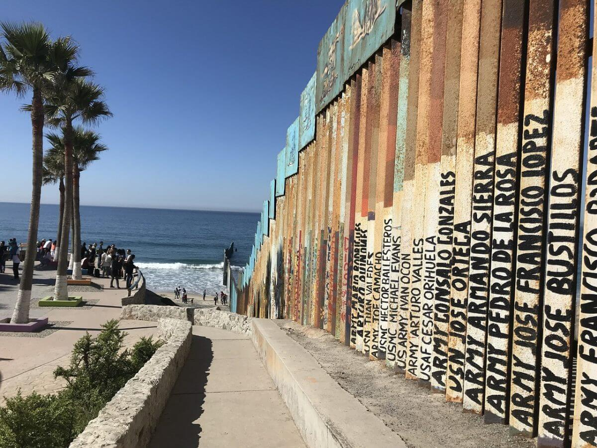 The U.S.-Mexico border in Tijuana, Mexico. (Image by Estela Parra from Pixabay.)