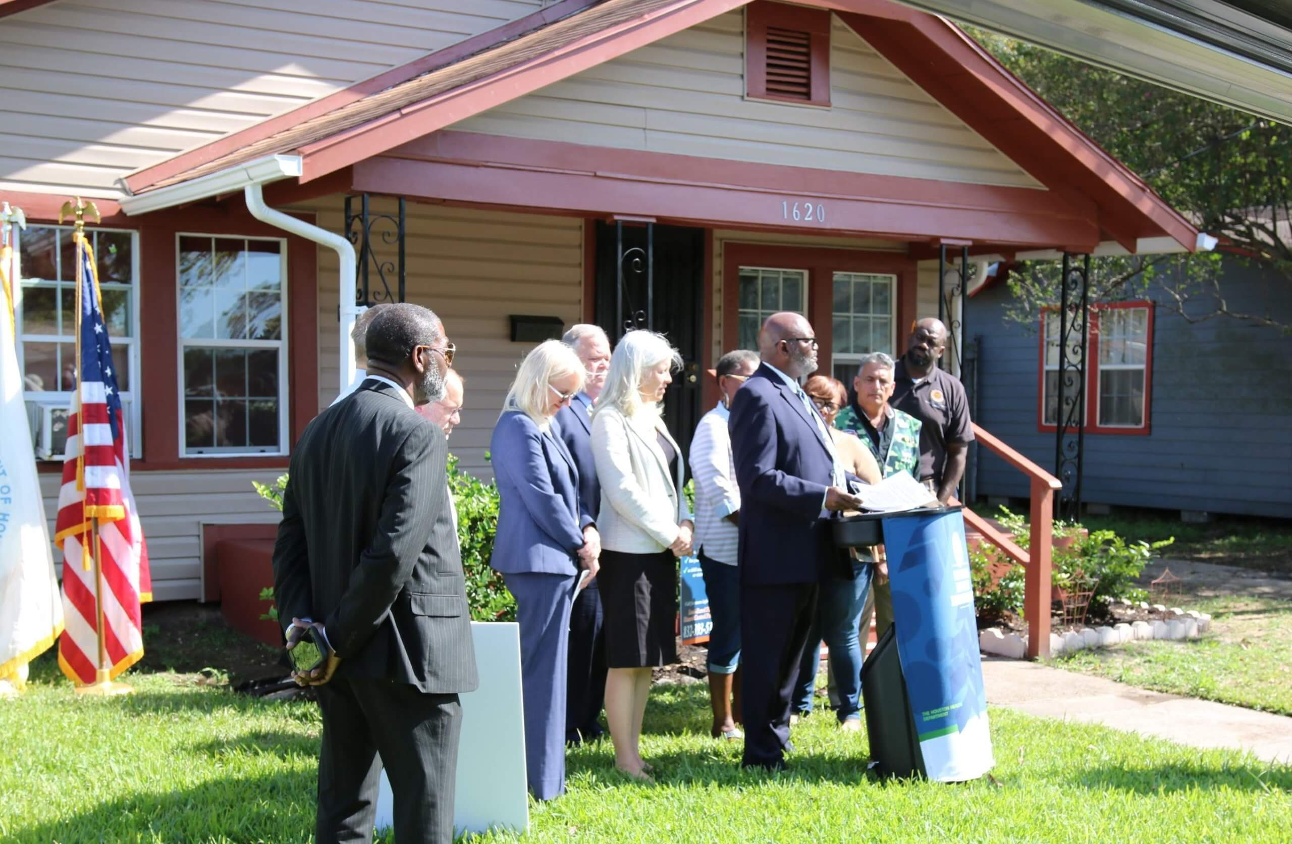 Houston Health Department Director Stephen Williams announces a $9.7 million HUD grant for lead-based paint hazard reduction to 450 homes outside a recently abated house in Fifth Ward. (Photo courtesy of Houston Health Department)
