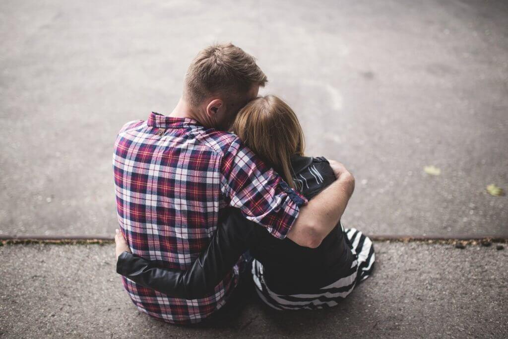 couple-1853996_1920